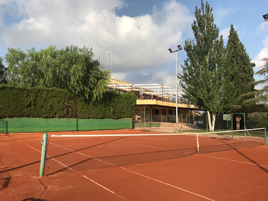 Pista Club tenis Torrent